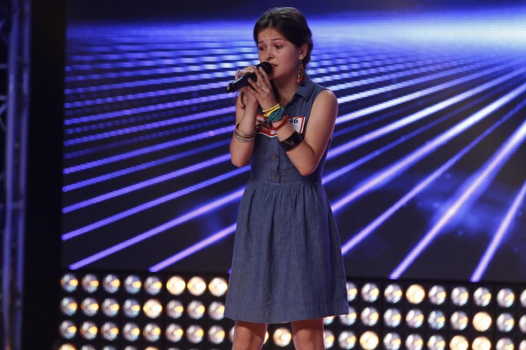 Iulia la X Factor