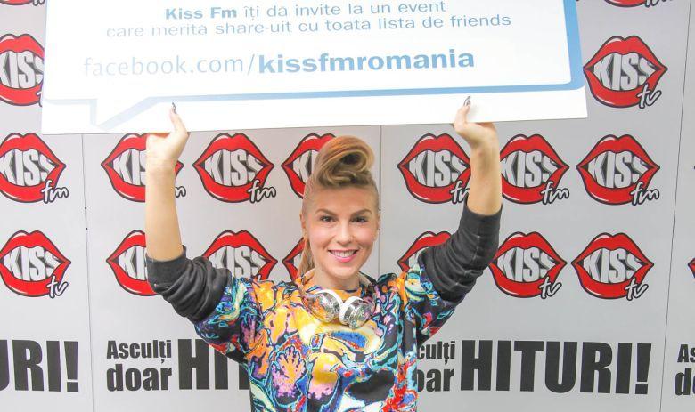 corina-kiss-vedete-face-to-facebook