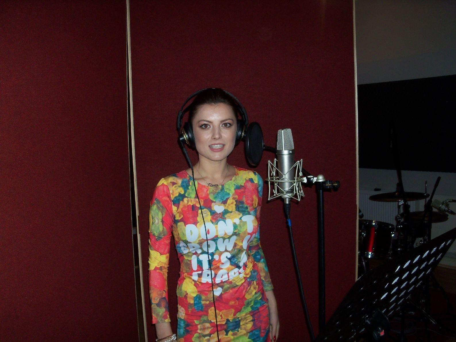 Elena Gheorghe la Cutiuta Muzicala