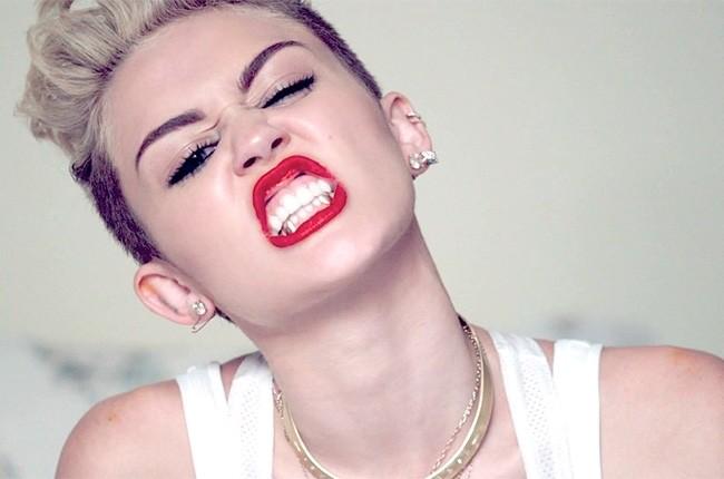 Miley Cyrus - Oferta pentru a juca intr-un film porno