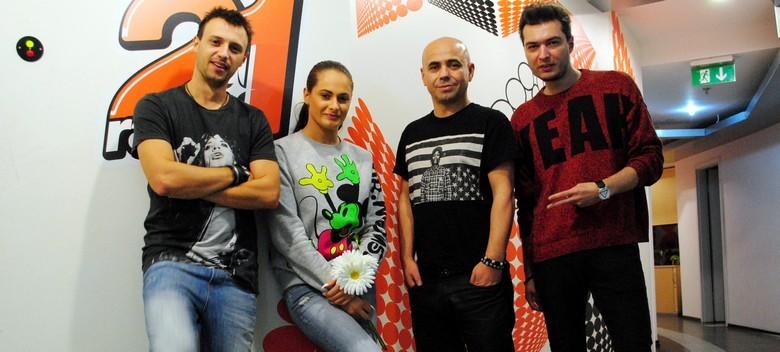 DJ Sava si Raluca live Radio 21