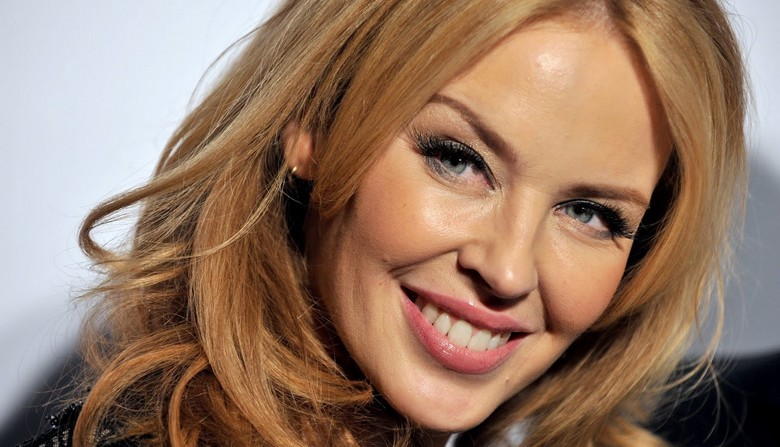 kylie minogue album kiss me one 17 martie