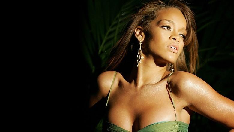 Rihanna-Smile-2013