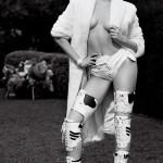 Miley Cyrus a pozat nud pentru Karl Lagerfeld