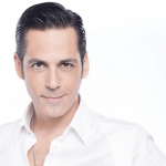 """Ştefan Bănică mărturiseşte la """"X Factor"""" de ce vedetă era îndrăgostit în adolescenţă"""
