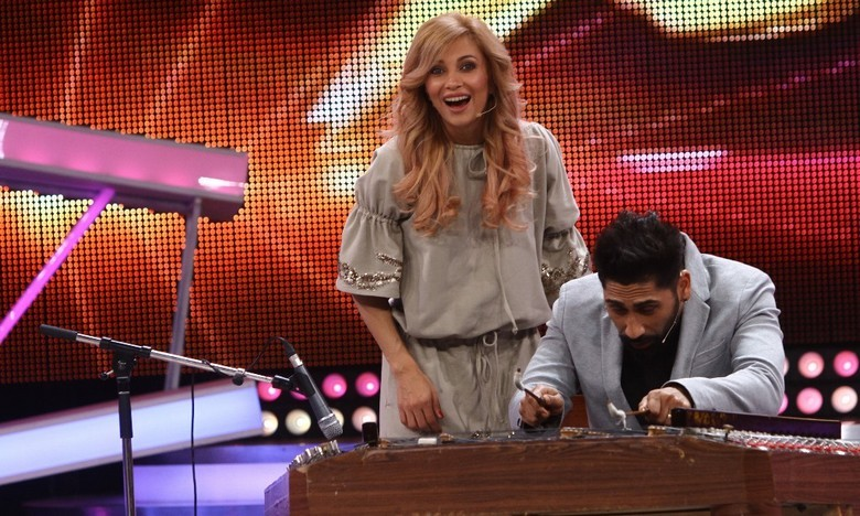 Lora si Connect-R copyright Gabriela Arsenie-Antena1_221014_Next Star