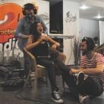 VIDEO Ruby a cântat la Radio 21 în timp ce i se făcea masaj