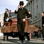 """Trupa Bere Gratis a lansat videoclipul melodiei """"Tot aşa e şi a mea"""""""