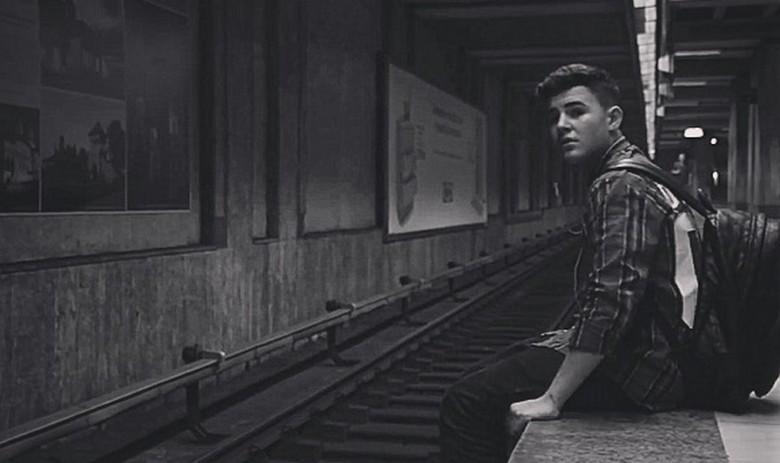 Mario Fresh_Fata de la metrou