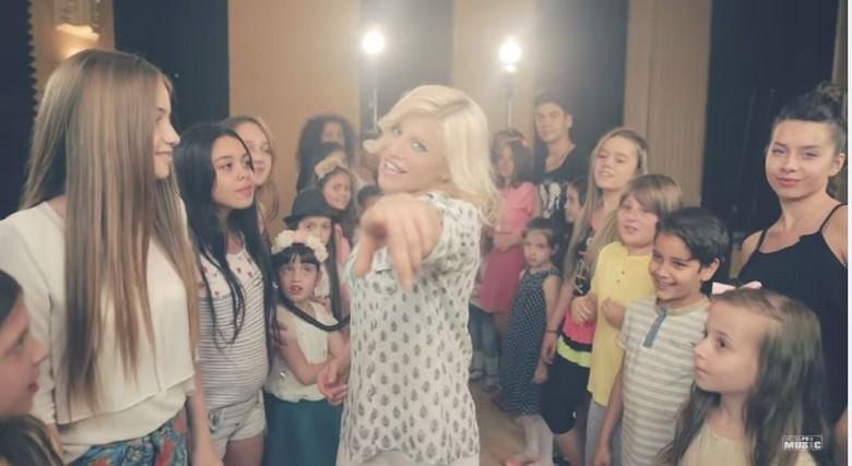 loredana-groza-videoclip-super-oferta-la-vise