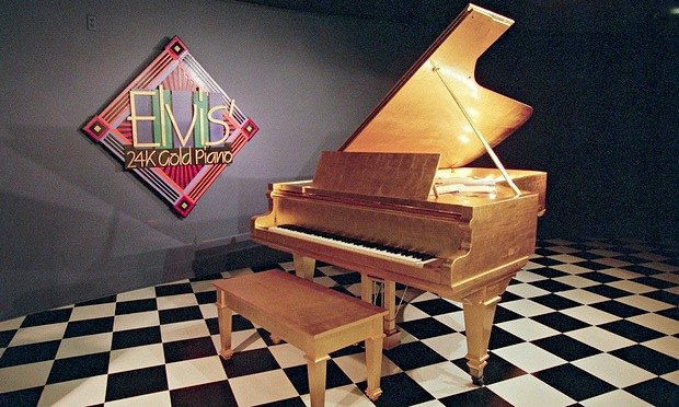 Elvis-Presleys-24K-Gold-P-012