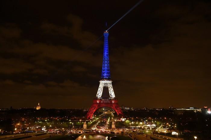 Teroare - 7 zile in Paris