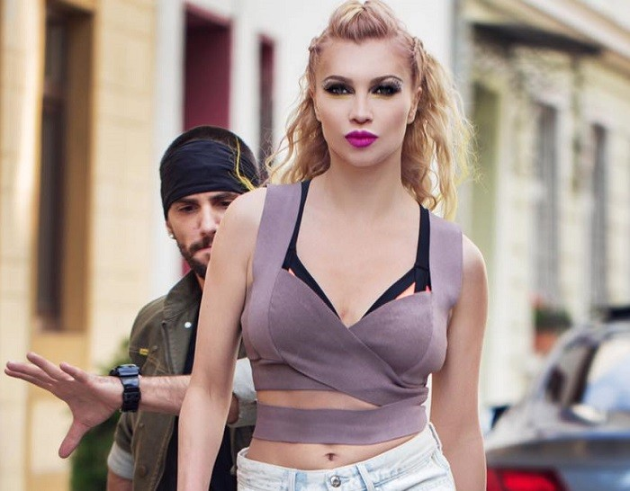 lora asha videoclip
