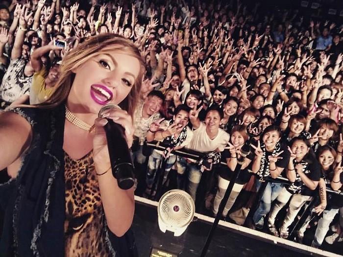 Alexandra Stan_Fans_Japan