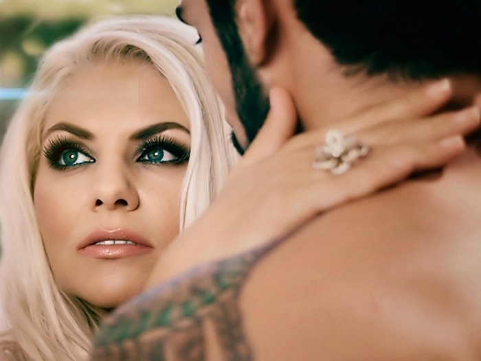 adina-ely-videoclip