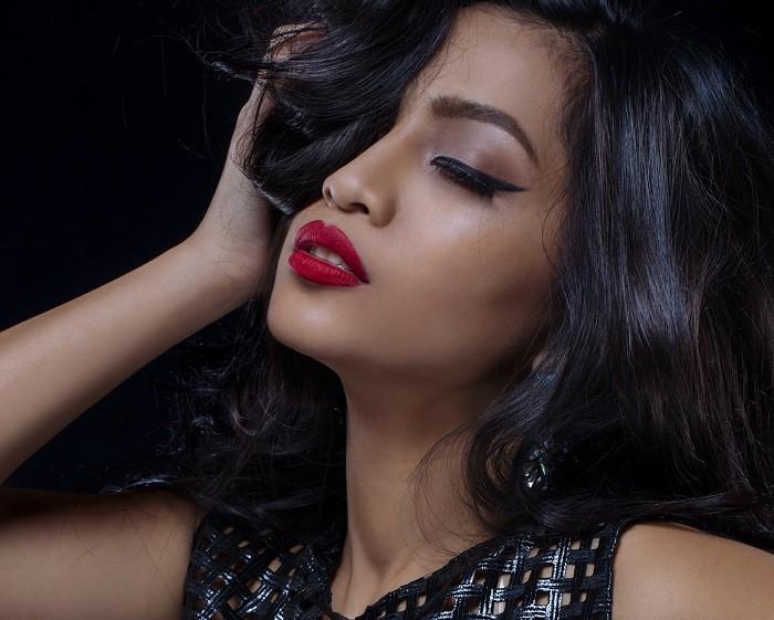 Resciebelle Santiago (Bella) Unpredictable radio Filipine