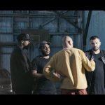 echipa videoclipului la munca